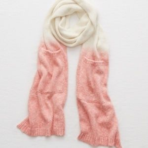 American Eagle Scarf with pockets